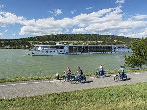 MS Primadonna auf der Donau