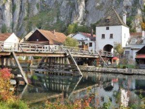 Essing mit alter Holzbrücke und Bruckturm