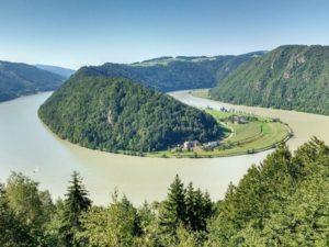 Radreisen Passau-Wien, z.B. vorbei an der Donau-Schlinge bei Schlögen