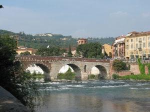 Verona mit Brücke über Etsch / Adige