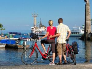 Radler im Hafen von Konstanz