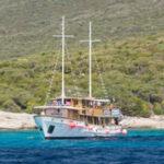 MS Kalipsa in der Kvarner Bucht in Kroatien