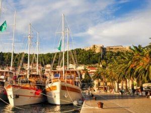 Hafen in Süddalmatien