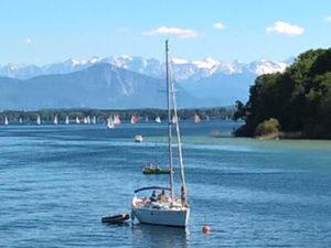 Segelboot auf dem Starnberger See